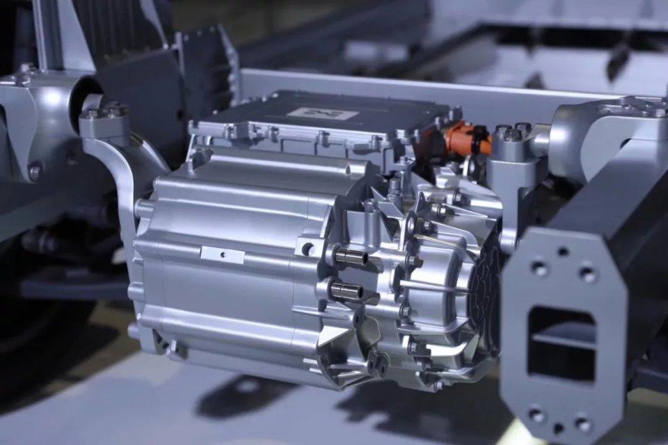 进博会上的汽车新能源:爱驰的甲醇高温重整制氢燃料电池