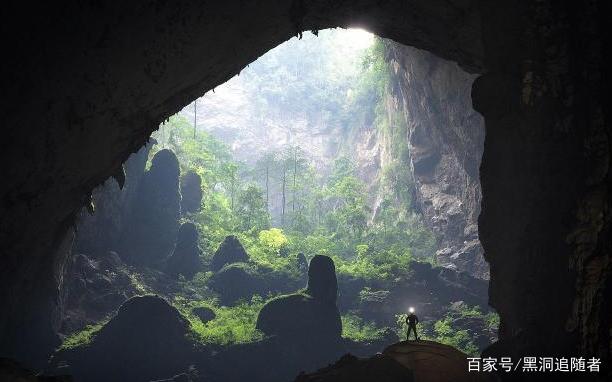 地下文明真的存在?斯诺登爆出地心人,表示智慧生命藏在地球内部