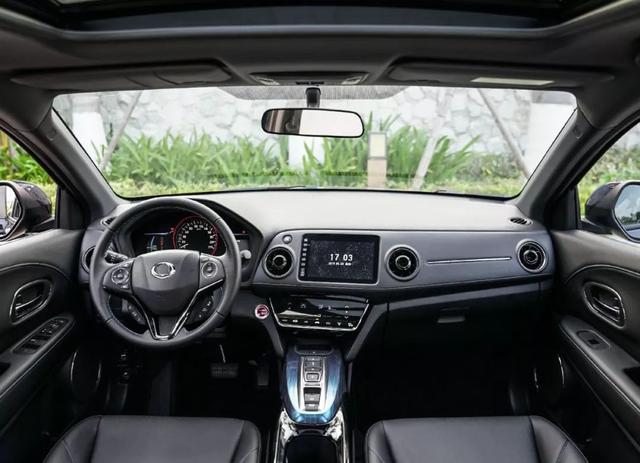 差3000块续航多100km,两款合资纯电动小型SUV怎么选?