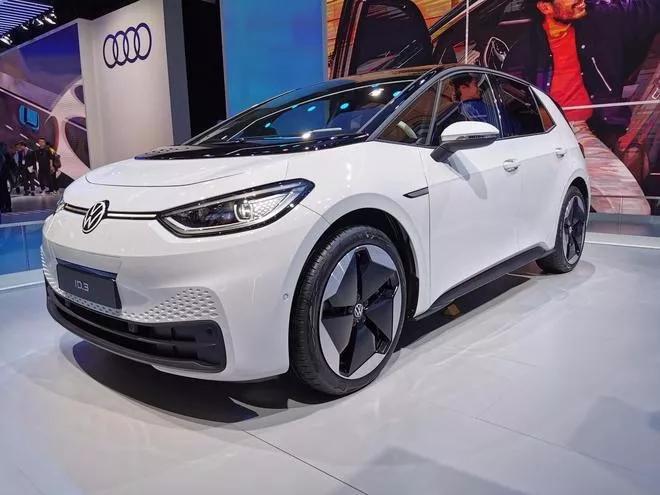 黑科技满地的进博会,凭什么出风头的是汽车科技?