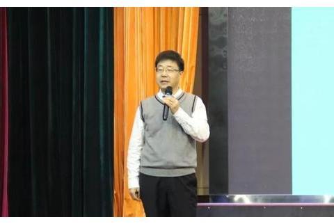 华东理工大学教授、博士生导师乔秀臣回母校,忻州一中作专场报告