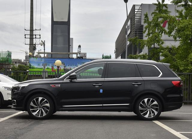 亲民的6缸豪华SUV,车长超5米,7.8S破百,丐版就有14个扬声器