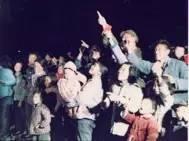 """当年大家看到的""""东方红一号""""卫星其实是火箭的第三级"""