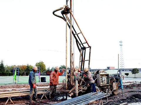 河津给10所寄宿制学校实施地源热泵供暖工程
