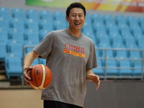 """中国男篮最霸气5个绰号:刘玉栋""""战神""""上榜,最后一个是他"""