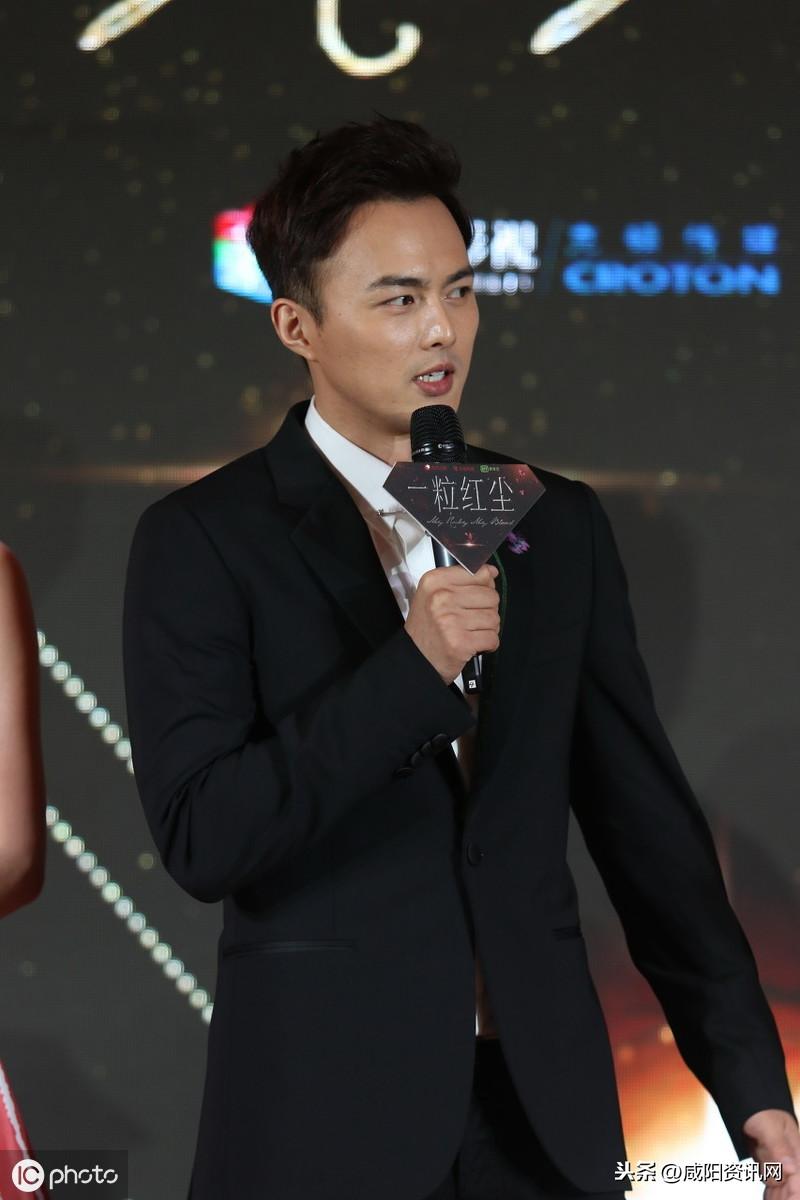 演员叶祖新印象:诙谐的动作与明朗的笑容相得益彰