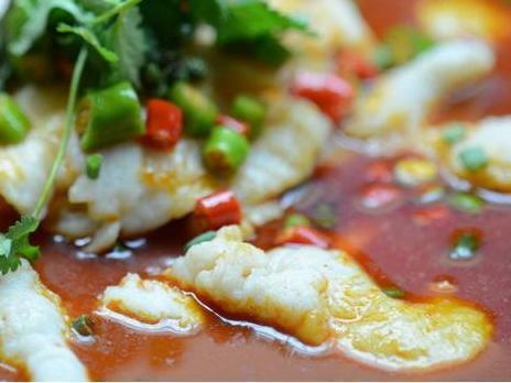美食推荐:泡椒鲜虾,酸菜炒蚕豆,热炝酸辣鱼