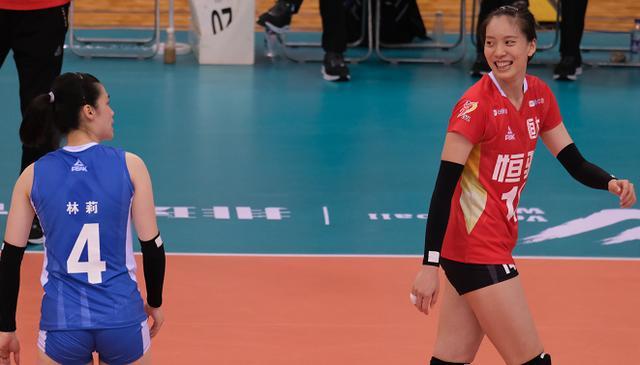 天津女排决战恒大,国手大比拼,朱婷对飚超级外援