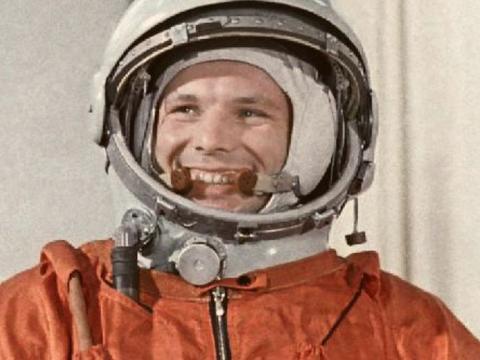 史上最惨航天员,被人遗忘在太空1年,返回后发现祖国早就没了