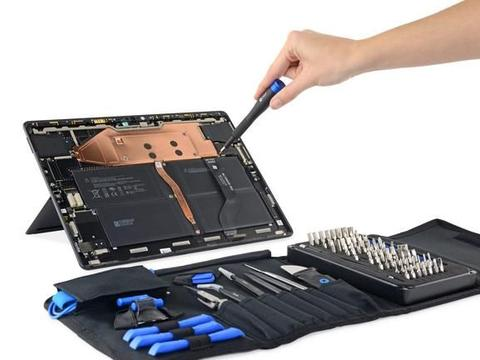 Surface Pro X 拆拆乐,出奇地好打开喔