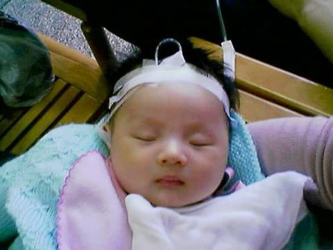 给宝宝买婴儿床原本是好心,没成想害了宝宝,甲醛实在太可怕!