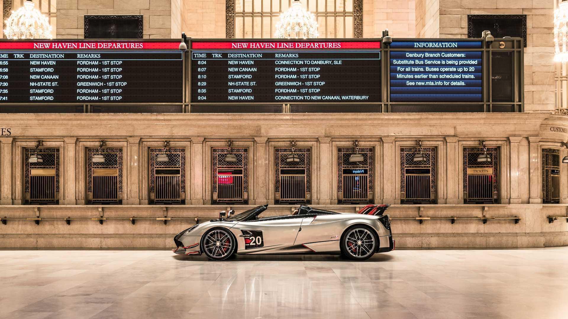 Huayra Roadster BC 亮相纽约中央火车站