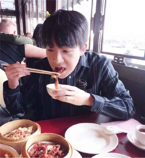 俞灏明韩国整容回归?脸上伤疤淡去,31岁颜值回归巅峰