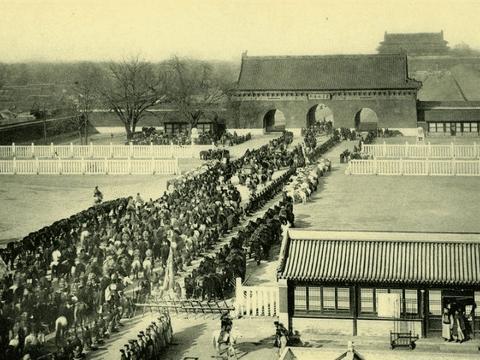 100年前天安门广场,没有现在繁华热闹