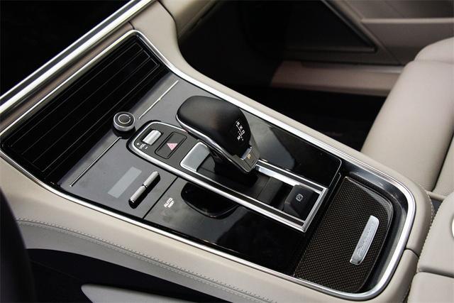 保时捷Panamera顶级轿跑,豪华轿车销量排名第二