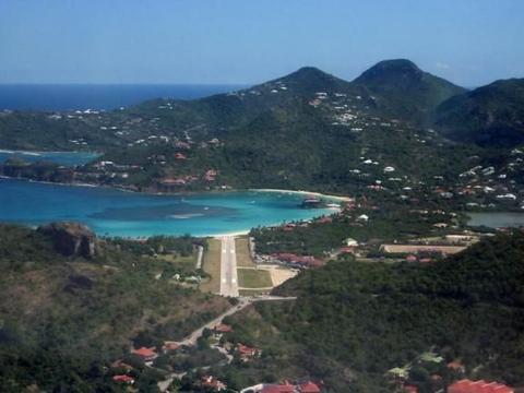 欧洲贵族的度假地,有私人飞机才能上岛,住一晚最低要600美元