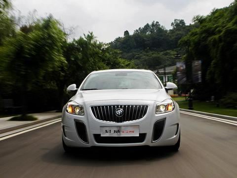 君威GS是一款价格亲民的B级车,搭配2.0T动力,百公里加速7.2秒
