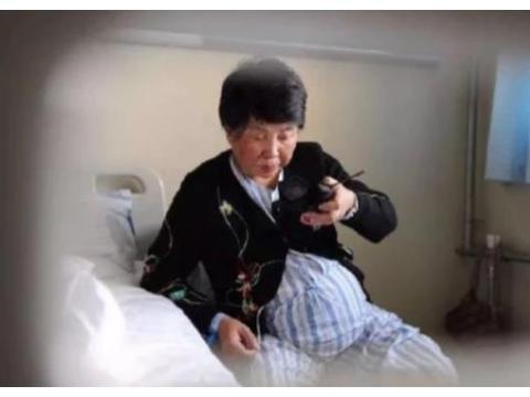 """还记得那位""""中国最高龄产妇""""吗?连生2个女儿,74岁现状如何"""