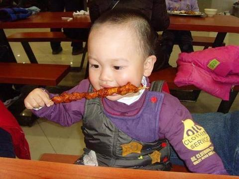 """儿科医生:宝宝求放过!再喂4种辅食,孩子脾胃要""""罢工""""了"""