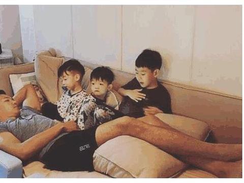 参观陈建州住的豪宅,房子面积起码两百平方,儿童房布置太用心了