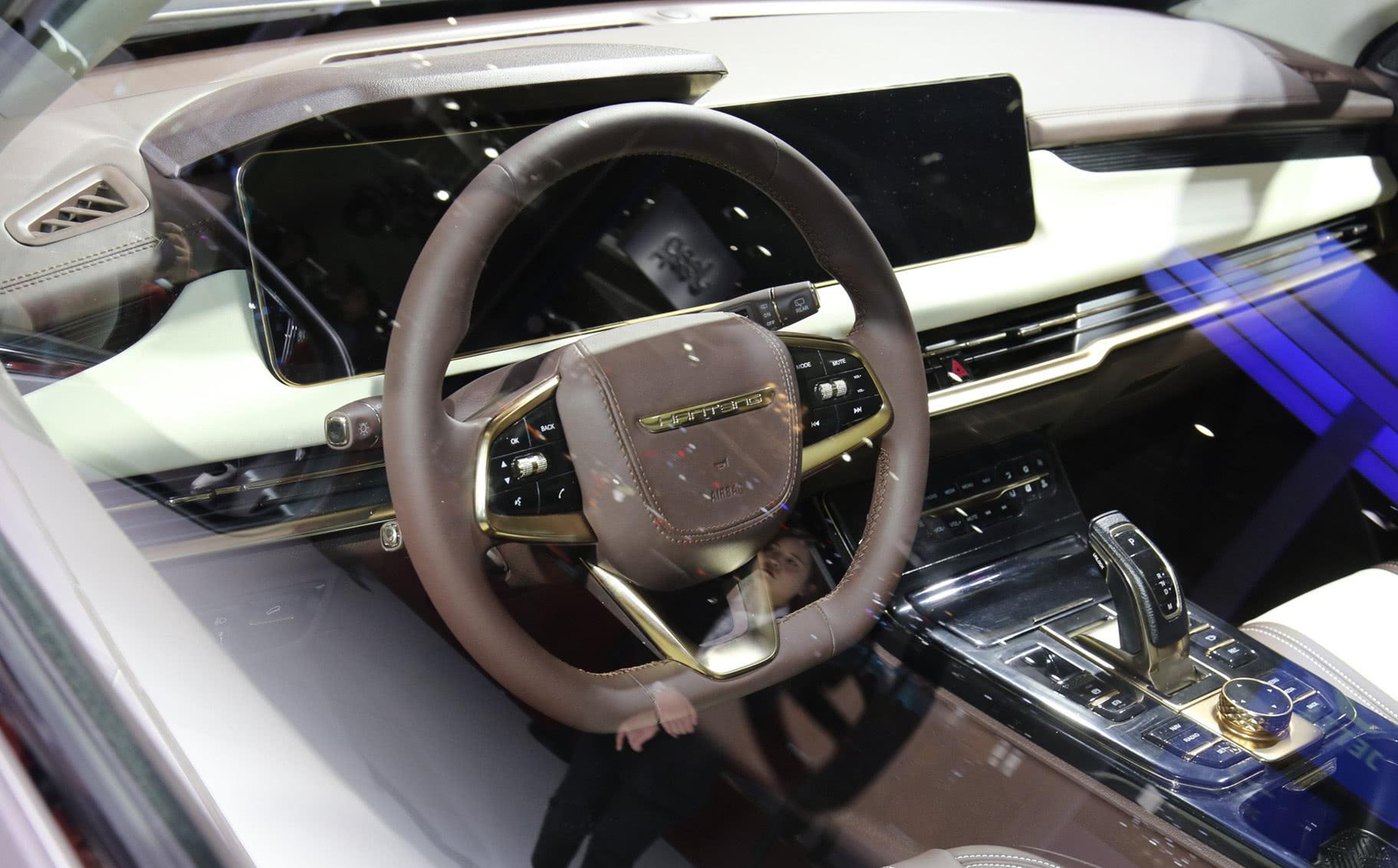 汉腾4.7米SUV将上市!车头撞脸奔腾T99,或搭载2.0T发动机!