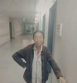 73岁丑娘张少华仍坚持工作,只为给儿子还房贷