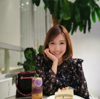 李泽楷的生日刚过,女友郭嘉文悄悄发照,好天气更显好心情?