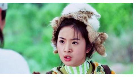 八位女星,林依晨赵丽颖刘诗诗关晓彤杨幂,谁戴帽子的样子最美艳