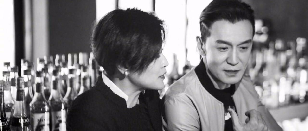 """李咏去世的第380天,妻子哈文""""变了""""!"""