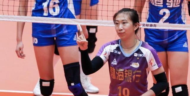 姚迪的压力来了天津女排3 - 0赢球后找不足,陈友泉点名表扬一人