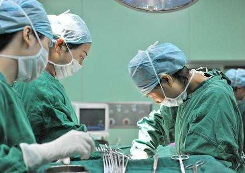 助产士揭秘:剖宫产,真的是切两刀缝七层,切开容易缝合难吗?