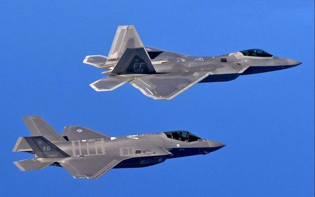 美海军曾拒绝单发设计,舰载机要向FC-31看齐,F35C至今不温不火
