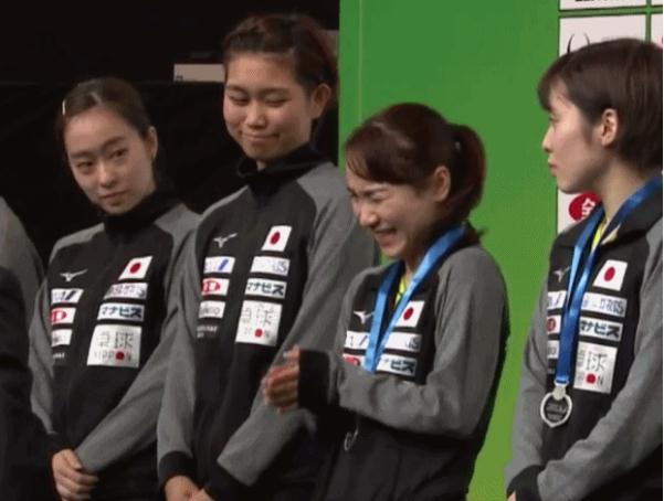 伊藤美诚赛后受访又放大话,石川佳纯站在一旁,面部表情有点夸张