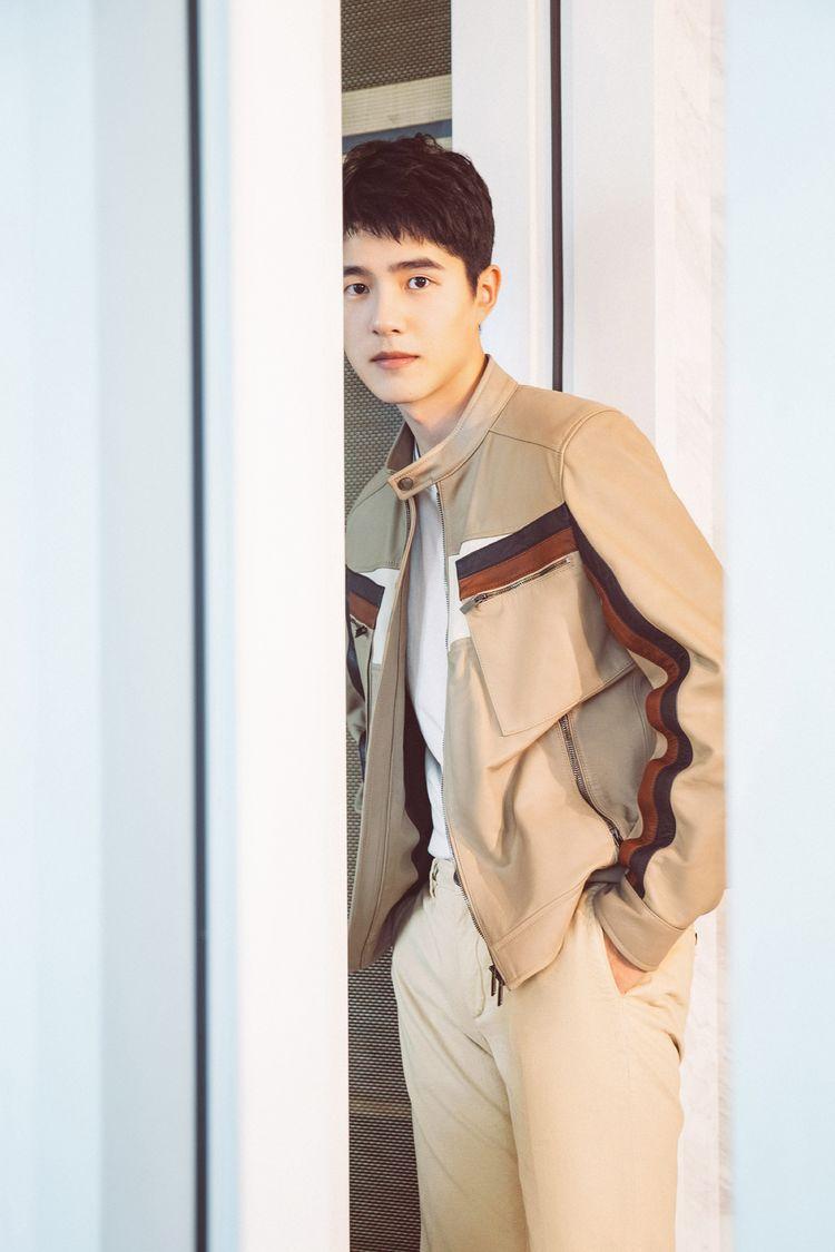 刘昊然设计联名款限量鞋履 《唐人街探案3》将登春节档大荧幕