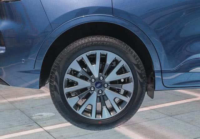 福特翻身就靠它了!新车比CR-V漂亮,248马力带双大屏,或卖16万