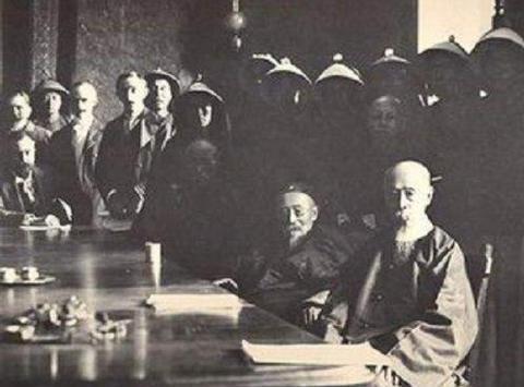 清朝灭亡后,欠西方列强的赔款谁支付?袁世凯、蒋介石:我来