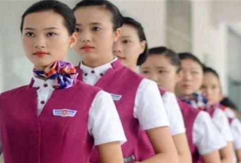 我们坐飞机时,应该怎样称呼空姐,空姐又希望被人怎么称呼她