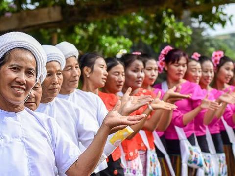 中国名字最长的县,至今不通高速公路和铁路,百姓却富裕又幸福