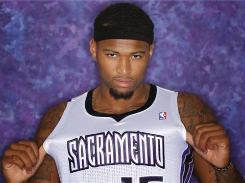 在NBA中打的风生水起,却从未入选一阵的巨星,榜首是詹皇劲敌