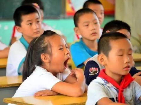 学校决定给孩子减负,重点班没了,家长的教育理念何去何从?