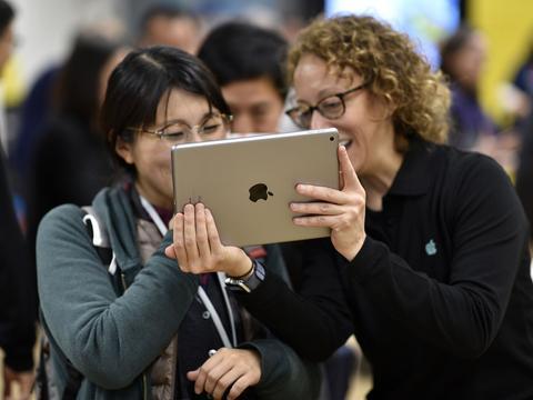 苹果计划明年推双摄像头iPad,2022年推出独立AR和VR游戏头显