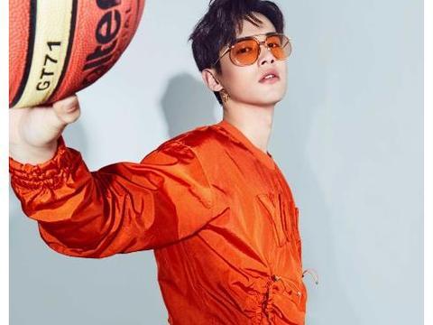 刘冬沁夏日写真,运动搭配活力满满,玩转不羁时尚