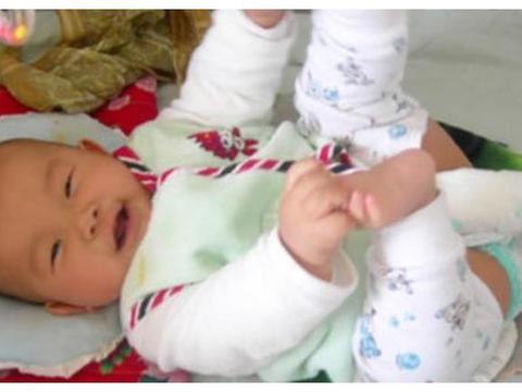 宝宝1岁之前,4种辅食怎么能乱吃?儿科医生:伤了脾胃长不高