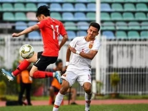 成耀东:裁判判罚不利于国青队,我们一优势比韩国队还明显!