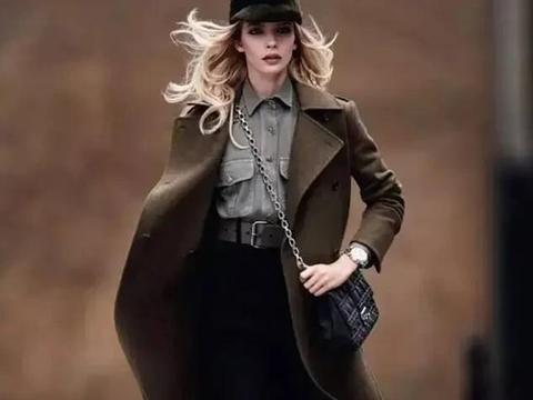 帅气与温度时髦兼备的军装风羊毛外套,更有时尚复古感