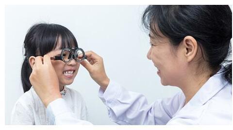 一半的孩子近视眼?7点总结,全面预防,让你的孩子远离近视
