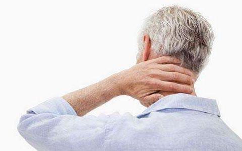 颈椎不舒服还头晕,炒盐热敷,缓解疼痛,帮助赶走颈椎病
