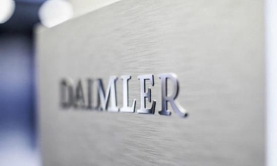 传戴姆勒计划进行管理层裁员 并冻结德国员工工资