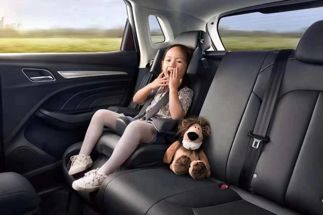 比传统安全座椅安装快两倍 荣威RX3将推狮王儿童座椅版车型
