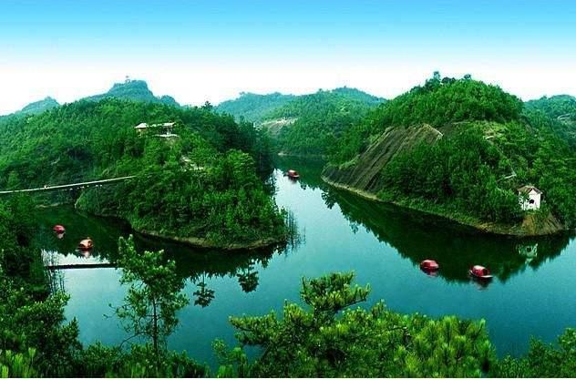 最适合国庆节去游玩的城市,其中一座在江西,人少景美空气好!